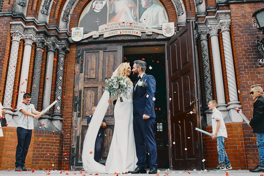 Fotografia ślubna - Blog - Ślub wkościele pełnym słońca – Ewa iMarek