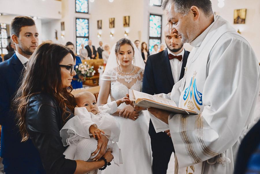 Fotografia ślubna - Blog - Ślub ichrzciny jednocześnie – Wielki Dzień Łucji, Maćka imałej Zuzi