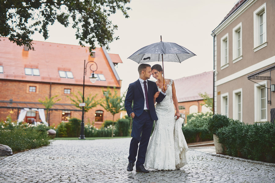 Fotografia ślubna - Blog - Zamek Topacz – plener wdeszczu też może być piękny